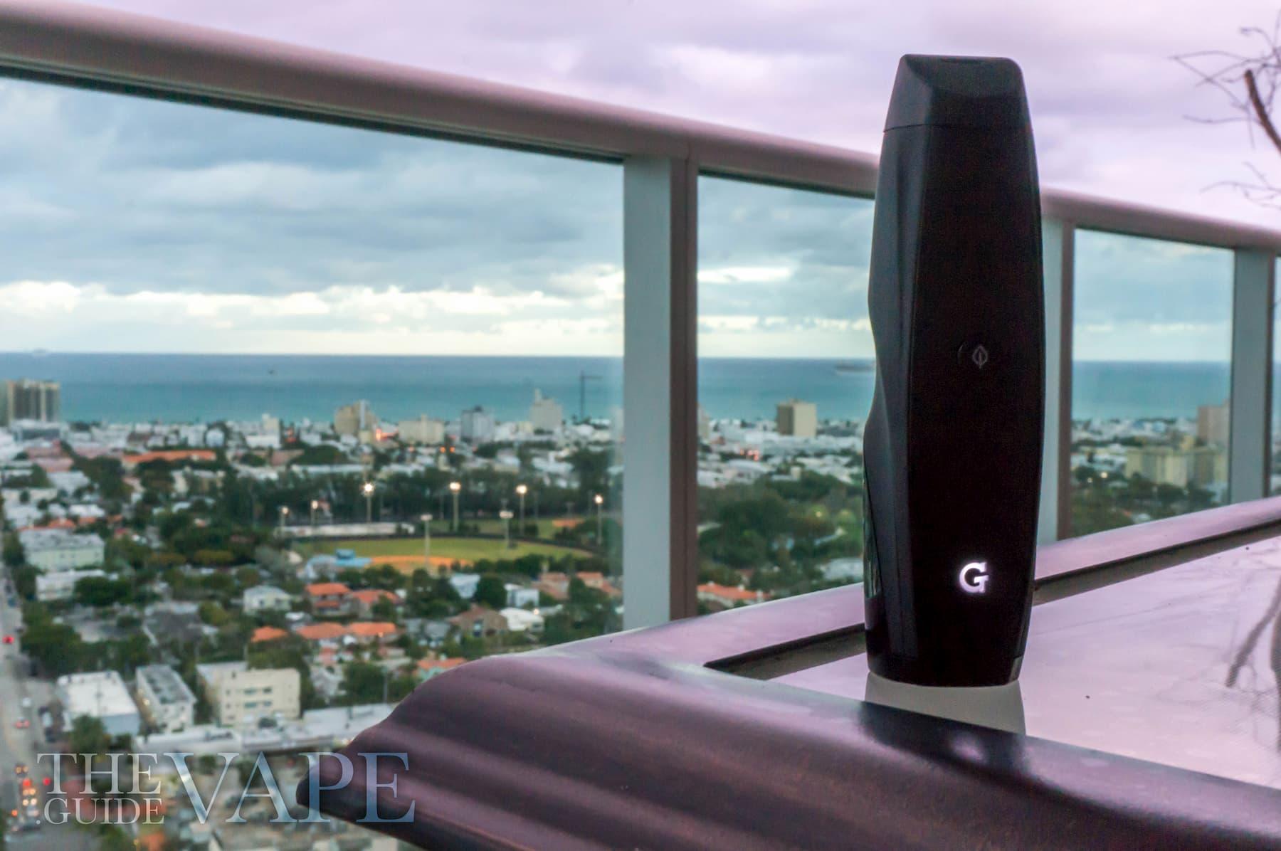 G Pen Elite Review: A Sleek, Ergonomically Enhanced Weed Vape